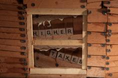 John Barnes, Marigny Warning (detail), 2014 decomissioned shotgun barrels and mixed wood, 22.5 x 62 x 5 inches
